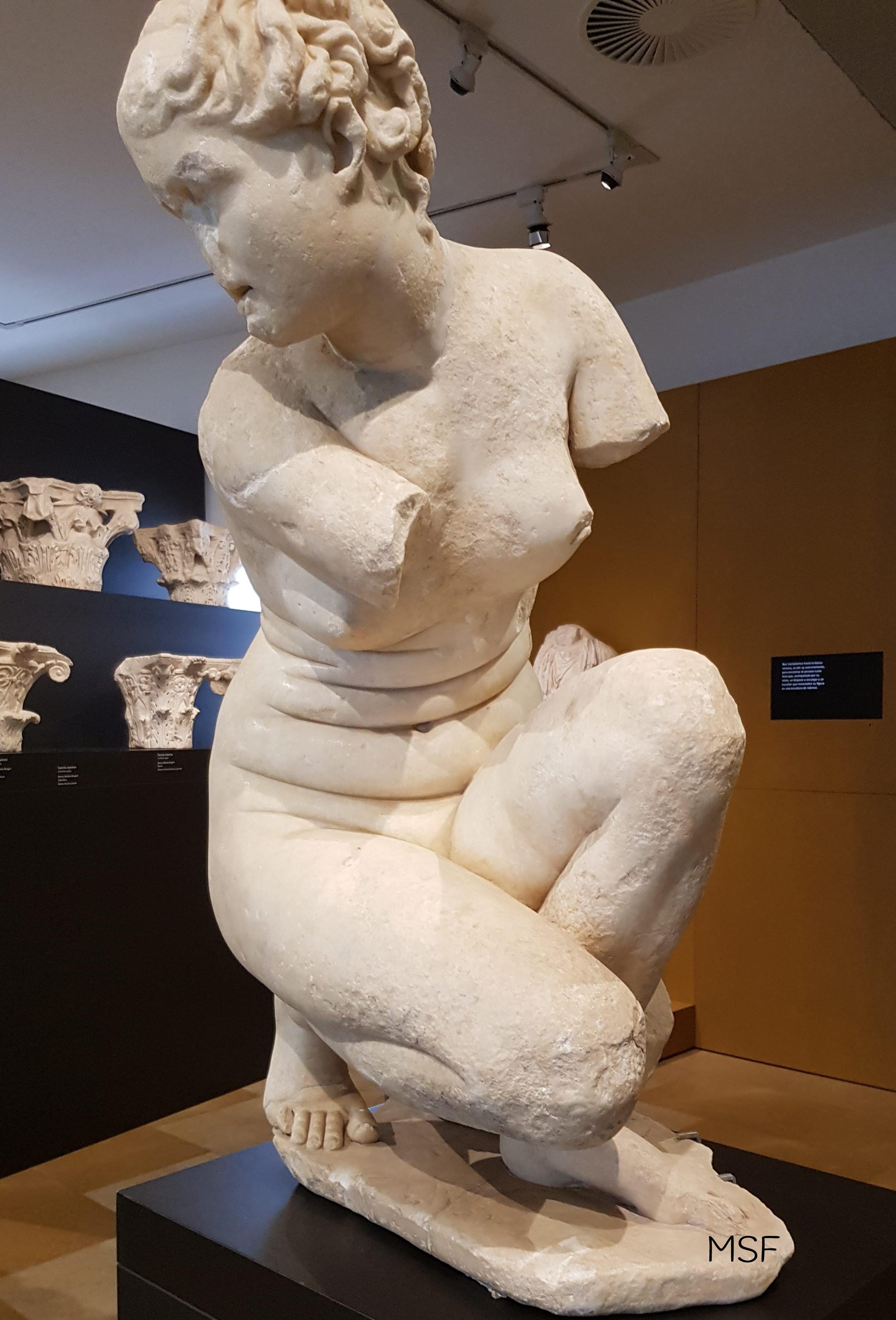 Afrodita Agachada Museo Córdoba